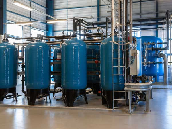 Chemical Cleaning Services : Chemical cleaning industrial business equipment